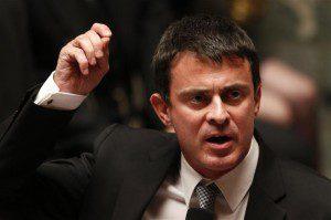 VALLS ACCUSE LA DROITE D'ÊTRE RESPONSABLE DU RETOUR DU TERRORISME